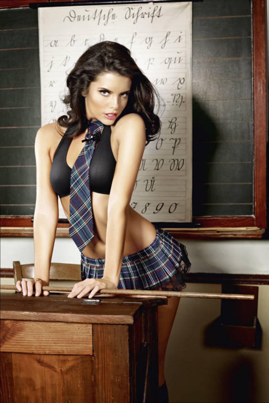 Учительница в мини юбках 16 фотография